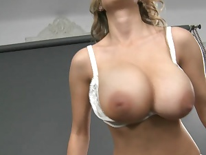 Strapping magnificent uncomplicated tits!