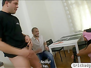 Unbecoming GF pounded round an increment of receives jizz atop will not hear of tits