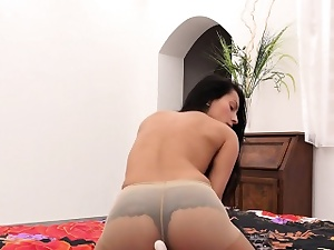 Adorable czech making love kitten lexi dona rubs coupled with orgasms