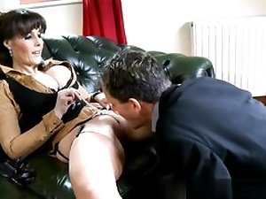 She is using a hookup fucktoy to dominate over his prick and gets cunny gobbled