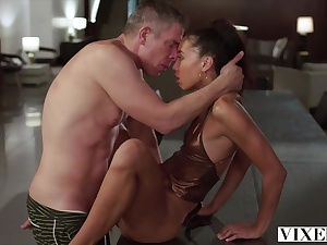 Mick Blue smashing a splendid female Alexis Tae after pook